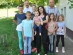 Osmočlana obitelj Ivančević - Obitelj je raj!