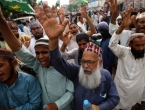 Tisuće Pakistanaca prosvjedovale zbog objave karikatura Muhameda u Francuskoj