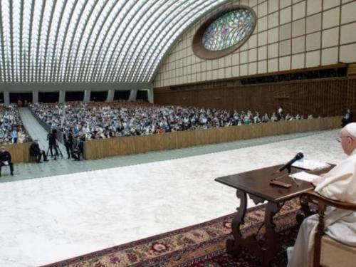 Papa pozvao katolike da se posvete žrtvi zlostavljanja, a ne ugledu crkve