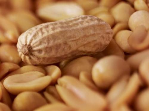 Dobre i loše strane kikirikija i što se događa u tijelu kada ga jedete