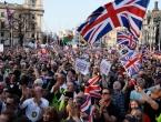 Tisuće ljudi na prosvjedima u gradovima širom Britanije