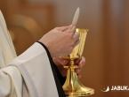 Biskupi iz BiH dali važne preporuke: Mise na otvorenom, nema vjeronauka
