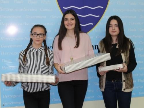 Učenica Ana Piplica s Uzdola osvojila 3. mjesto u natjecanju za najbolji literarni rad