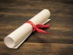 Prodavač diploma i dalje na slobodi, prima plaću iz federalnog proračuna