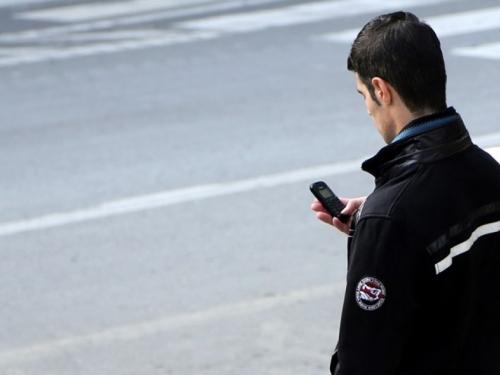 Litva uvela kazne za pričanje na mobitel dok se prelazi cesta