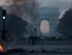 Macron uputio oštru poruku prosvjednicima koji su divljali po Parizu