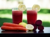 Napitak od cikle, mrkve i voća koji popravlja krvnu sliku i vraća energiju