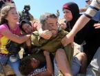 Žene pretukle vojnika koji je nasrnuo na dječaka