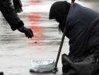 Grad u Italiji kažnjavat će sve koji odluče dati novac prosjacima