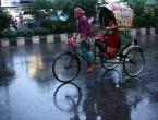 U Bangladešu zbog prolaska ciklona evakuirano 300.000 osoba