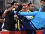 Evra u stilu Cantone nokautirao navijača