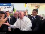 Papa Franjo zagalamio na vjernike