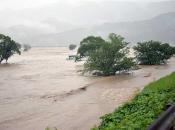 Deseci tisuća Japanaca moraju napustiti domove zbog poplava i klizišta