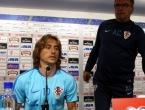 Luka Modrić i Ante Čačić pozvali navijače na podršku bez incidenata
