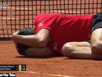 Najveći pehist među tenisačima: Opet završio nokautiran usred meča!