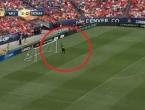 Bosanski veznjak posramio golmana Manchestera