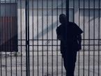 Nakon zatvorske kazne, vraćen na posao zatvorskog čuvara