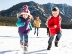 Izvedite djecu van kada je hladno i kada ima snijega!