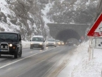 Snijeg otežava promet na području Kupresa, Livna, Drvara, Glamoča...