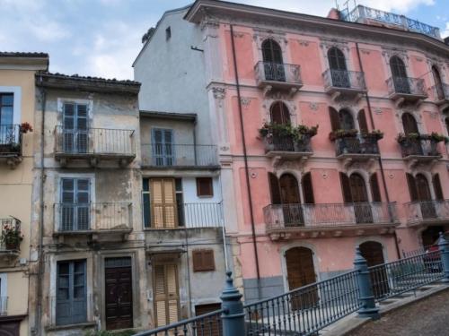 Talijansko selo prodaje 250 domova po cijeni od jednog eura, ali postoje i visoke kazne