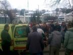 Uznemirujući snimak: Ratni vojni invalid se zapalio u centru Cazina