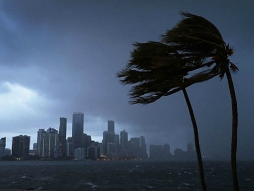 Zapadu Sjeverne Amerike prijeti Norma, oluja 1. kategorije