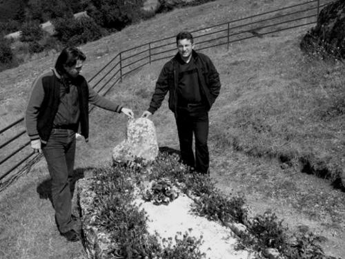 Mitovi uzdolskih grobova
