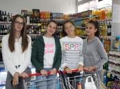 FOTO| Mladi iz Župe Prozor prikupljali hranu za socijalno ugrožene obitelji