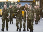 Frustrirani vojnici viču 'bang bang' jer nemaju metke