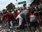 Karavan migranata se i dalje kreće ka Sjedinjenim Državama