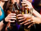 Nova studija: Čak i umjerena konzumacija alkohola oštećuje mozak