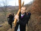 FOTO: Vlč. Ljubo Zadrić predvodio križni put na Uzdolu