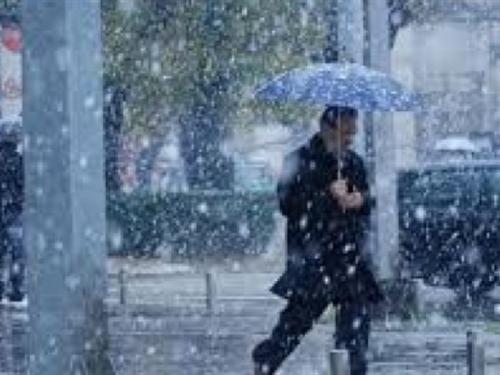 Snježna oluja zahvatila Češku: Tisuće građana ostalo bez struje