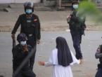 """Slika koja je obišla svijet: """"Ne pucajte i ne mučite djecu, pucajte u mene i ubijte me"""""""