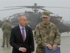 Američki borbeni helikopteri AH-64 Apache na Plesu