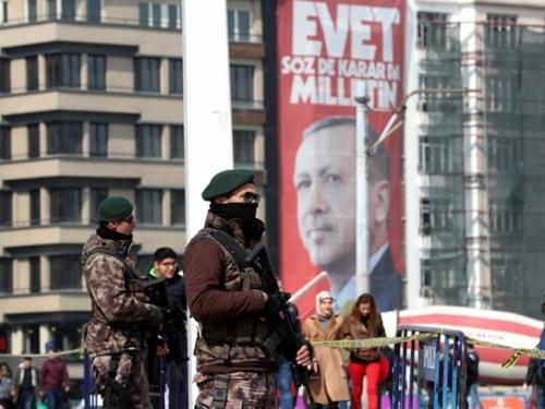 Turska i službeno prijeti: Zatrpat ćemo Europu migrantima