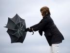 Sutra kiša s povremeno jakim udarima juga