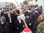 Tisuće iz Hrvatske i BiH odaju počast Gradu heroja