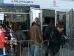 Tisuće ljudi iz BiH čeka na cjepivo u Beogradu