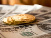 Dolar i dalje jača, euro još slabiji