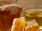Kako samo jedna žlica meda u čaši vode utječe na vaše tijelo?