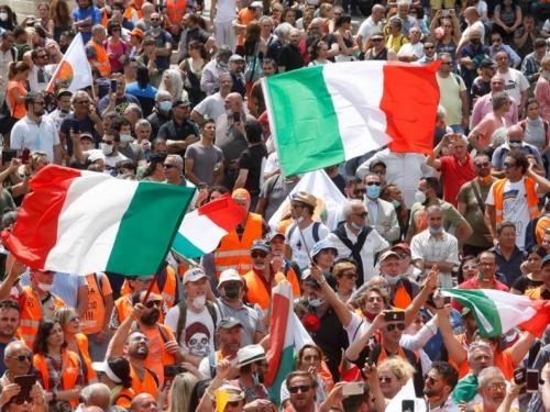 Tisuće demonstranata na talijanskim ulicama