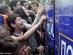 Na pomolu eskalacija: Tisuće migranata blokirano, Makedonija ih ne pušta preko granice