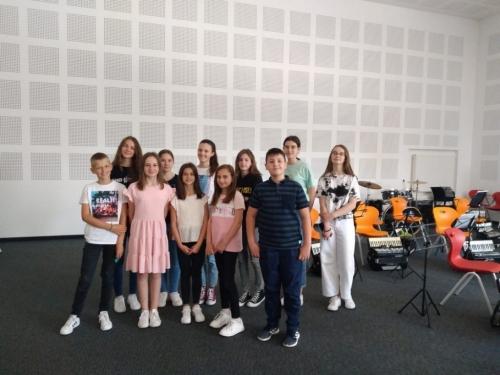 Mali glazbenici iz Rame na polaganju glazbene škole