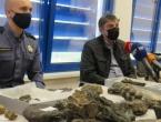 Na granici uhvatili muškarca s vrijednim fosilima praslona porijeklom iz BiH