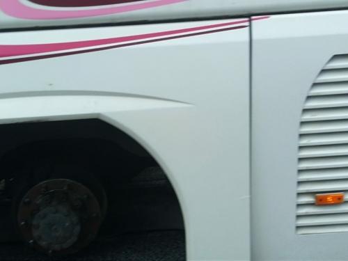 Autobus na Kupresu ostao bez zadnja dva kotača