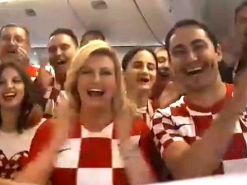 Kolinda iz aviona za Moskvu najavila finale - na ruskom
