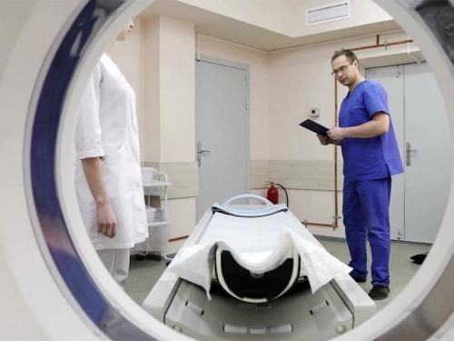 Poginuo u bolnici nakon što ga je usisao aparat za magnetnu rezonancu