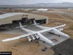 Predstavljen najveći svjetski zrakoplov