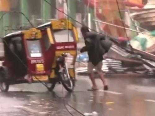 Supertajfun Mangkhut razara Filipine